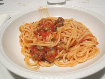 トマトソースヴォンゴレスパゲッティ