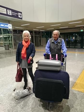 ケニアさんご夫妻@空港