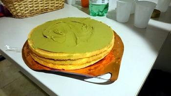 ピスタチオペーストのケーキ