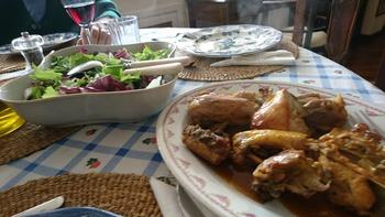 鶏肉とサラダ