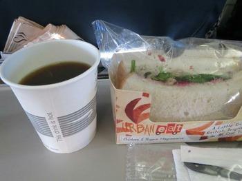 チキンサンドイッチ+クランベリーソース