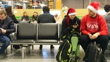 クリスマス気分の乗客