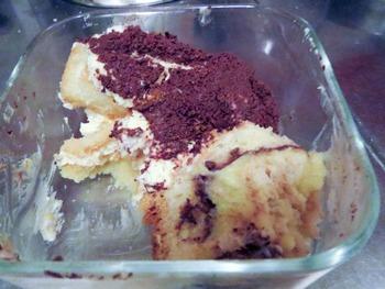 ティラミスと自家製ケーキ