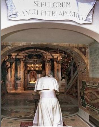聖ペテロの墓に詣でる教皇
