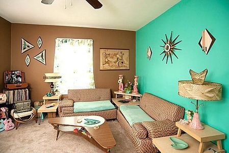 Home-featuring-Mid-Century-modern-furniture-and-decor