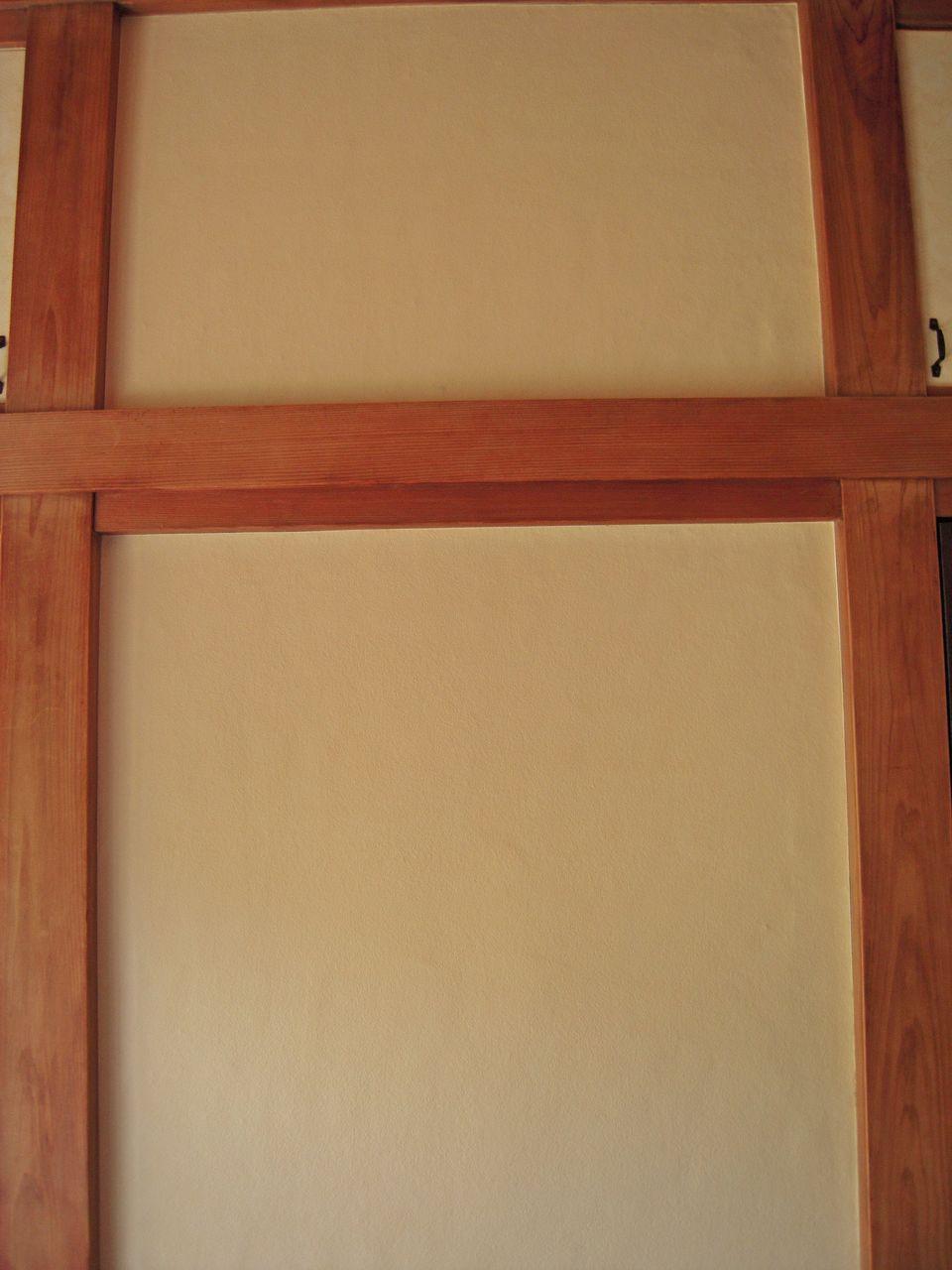 砂壁調の壁紙貼って和室っぽい洋室に いえけあれぽーと diyで