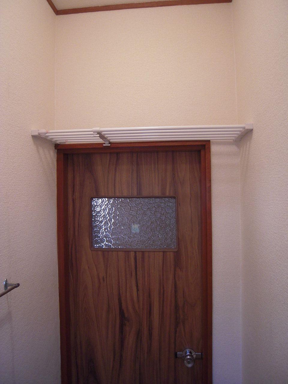 トイレの壁紙貼り レイアウトを決め必要な長さを計算する いえけあれぽーと diyでプチリフォーム