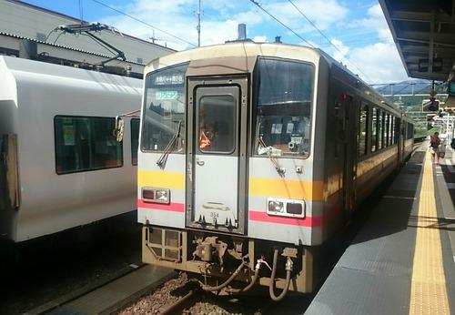 JR西日本 キハ120形気動車 大糸線 南小谷駅