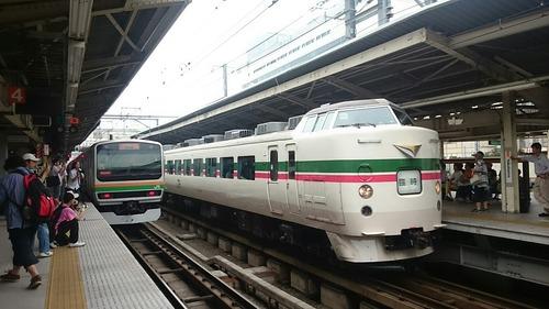 JR東日本 189系電車 快速「鎌倉あじさい号」 横浜駅