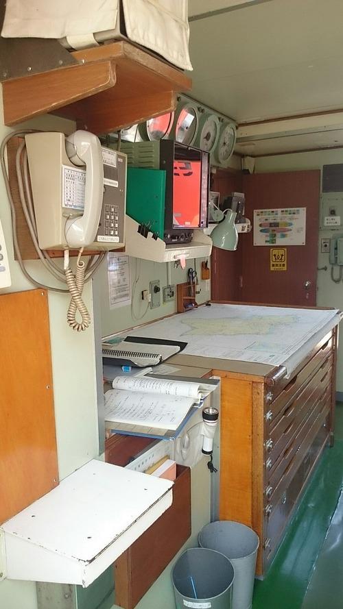 横浜開港祭 2代目「帆船日本丸」 一般公開 新港埠頭 海図室