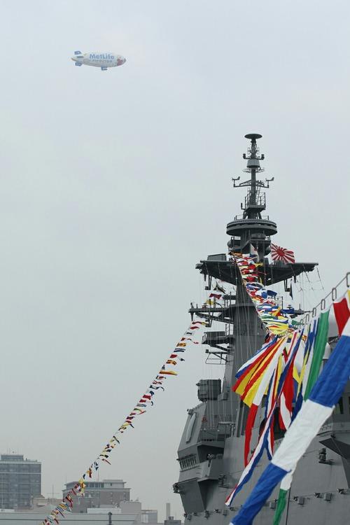 飛行船スヌーピーJ号 護衛艦いずも一般公開