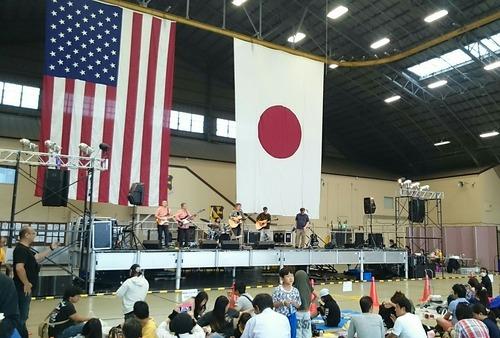 格納庫ステージ 横田基地日米友好祭