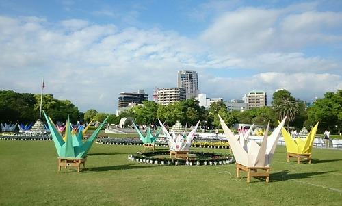 折りづるみこし 広島 平和記念公園 広島フラワーフェスティバル