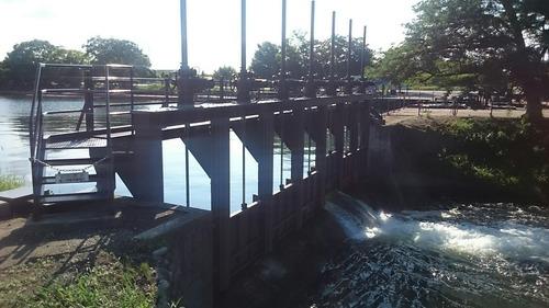 富岩運河 中島閘門 放水路