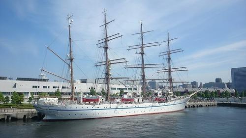 掃海母艦うらが艦上 帆船日本丸入港 横浜新港埠頭