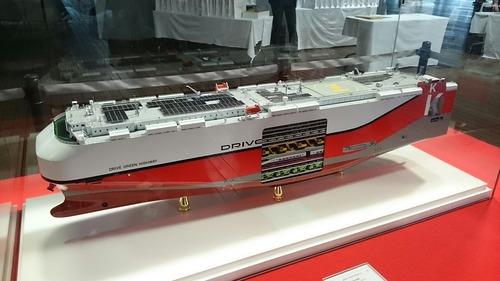 川崎汽船 ドライブグリーンハイウェイ 模型 横浜大桟橋