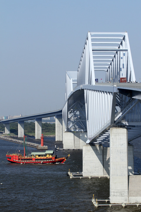 東京都観光汽船 御座船 安宅丸 東京ゲートブリッジ