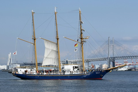 帆船みらいへ 帆船体験航海 横浜トールシップクルーズ 横浜大桟橋
