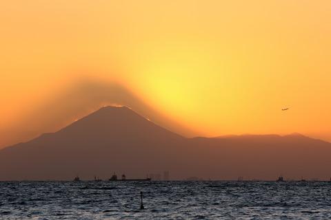 ダイヤモンド富士 影富士 稲毛海浜公園 いなげの浜