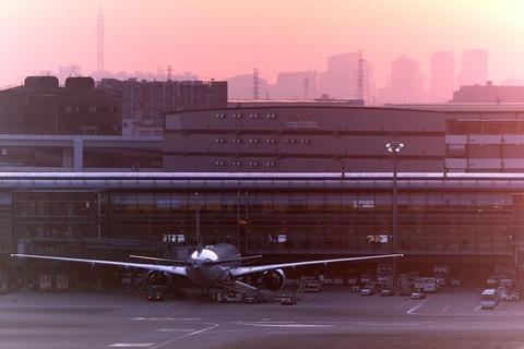 夕景 羽田空港 第1旅客ターミナル 展望デッキ