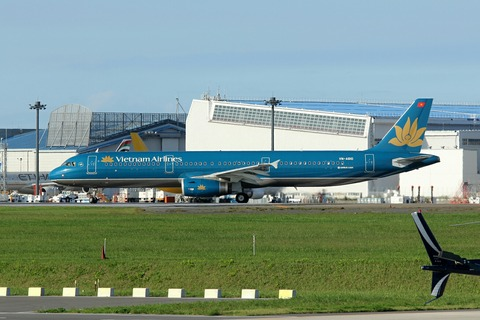 VN-A610 A321-200 HVN RJAA