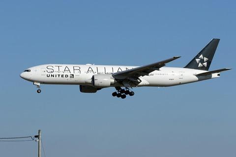 N78017 B777-200 UAL STAR ALLIANCE RJAA