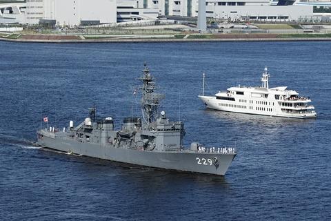 DE-229 護衛艦あぶくま カナダ海軍ホストシップ レインボーブリッジ