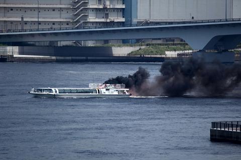 水の消防ページェント 水難救助訓練展示 東京水辺ライン あじさい