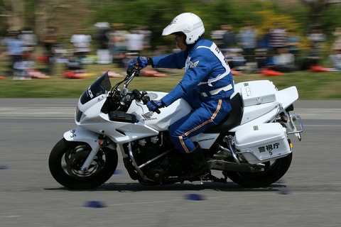 白バイ バランス走行競技 第41回警視庁白バイ安全運転競技大会