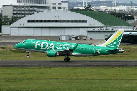 JA04FJ ERJ-170-100 FDA RJNA