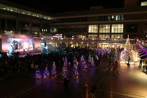 クリスマスツリー点灯式 成田空港