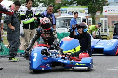 レーシング・サイドカー デモ走行 難波祐香 オートジャンボリー2018