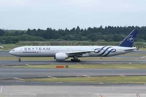 F-GZNE B777-300 AFR SKY TEAM RJAA