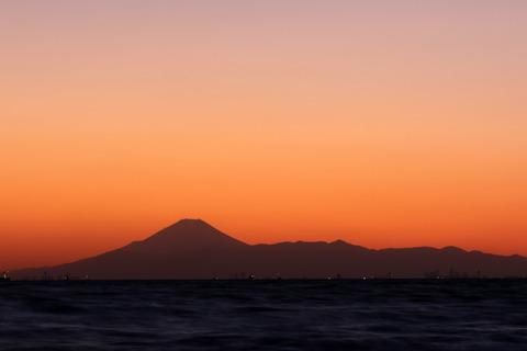 夕景 富士山 稲毛海浜公園 いなげの浜