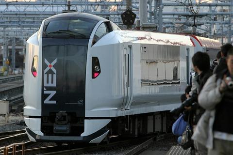 E259系 NEX 尾久駅