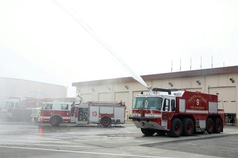 消防車 放水 RJTY 横田基地日米友好祭