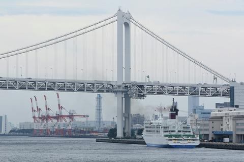 新おがさわら丸 東京港  芝浦埠頭 レインボーブリッジ 竹芝桟橋