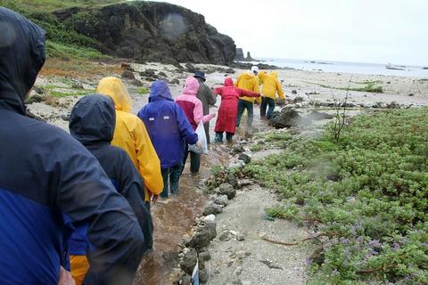 ケータ島エコツアー 雨の行軍