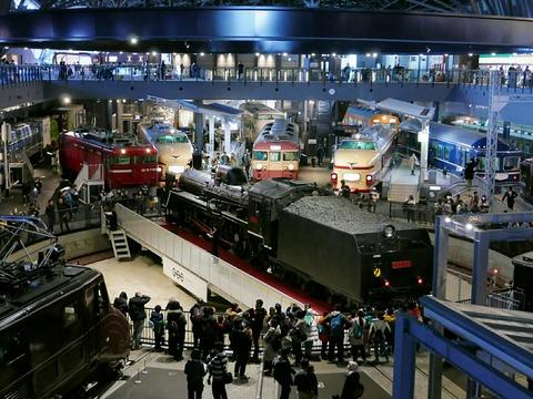 C57 135 蒸気機関車 転車台回転・汽笛吹鳴実演 鉄道博物館