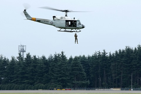 96645 UH-1 飛行展示 横田基地日米友好祭