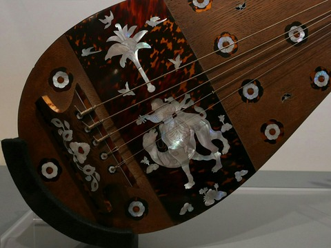 模造 螺鈿紫檀五絃琵琶 御即位記念特別展 正倉院の世界