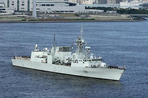 カナダ海軍 FFH-341 HMCS OTTAWA レインボーブリッジ