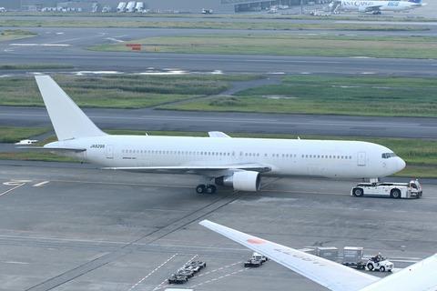 JA8299 B767-300 JAL RJTT 退役機材