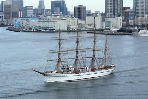 帆船 日本丸 晴海埠頭 出航 レインボーブリッジ