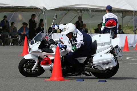 白バイ スラローム走行競技 第41回警視庁白バイ安全運転競技大会