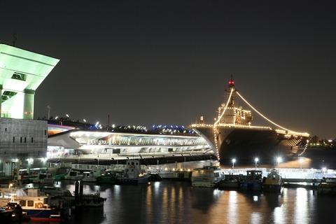 電灯艦飾 DDH-183 護衛艦 いずも 横浜開港祭 横浜大桟橋 夜景