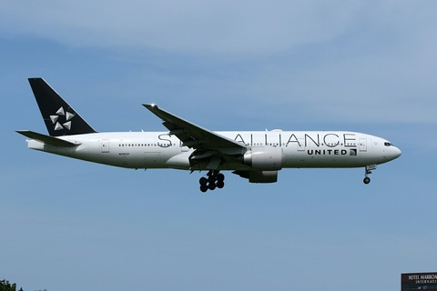 N76021 B777-200 UAL STAR ALLIANCE RJAA