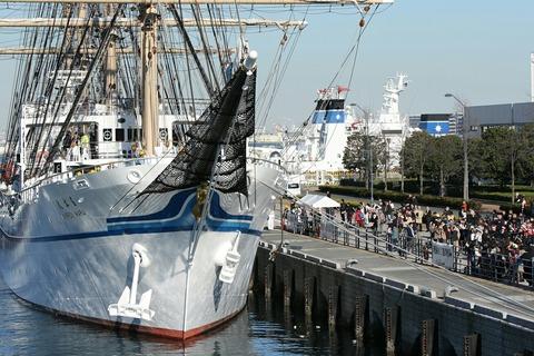 帆船 日本丸 横浜港 新港埠頭 出航