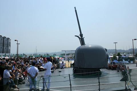 76mm単装速射砲 動作展示 DD-157 護衛艦さわぎり 艦艇公開in大洗