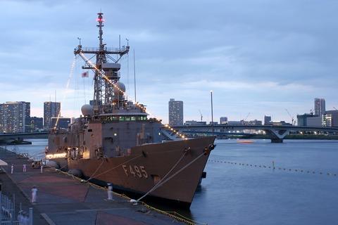 トルコ海軍 フリゲート艦 F495 TCGゲディズ 晴海埠頭 電灯艦飾